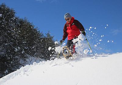 大江山トレイルで雪を飛ばす